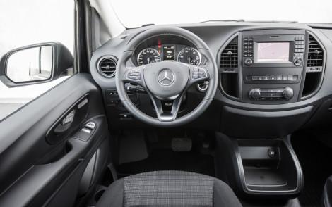Mercedes Benz, Vito Präsentation und Fahrtermin in Vitoria/Spanien, Mixto 119 BlueTEC (Kennzeichen: S- VI 5084) mit Heckklappe: OM651 mit 140 kW/190 PS, 7-G-Tronic, Gewichtsklasse:  2,8 tCavansitblau met, Becker MAP PILOT, TEMPMATIC, Rückfahrkamera, COMFORT-Paket Mixto, Komfort Fahrer -und BeifahrersitzAssistenzsysteme: COLLISION PREVENTION ASSIST, Spurhalte-Assistent, ATTENTION-ASSIST, Fahrlichtassistent